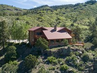 Stunning Log Home And Ranch : Westcliffe : Custer County : Colorado