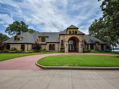 Masterpiece Waterfront Luxury Home : Bullard : Cherokee County : Texas