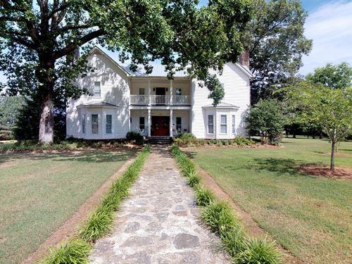 Farmhouse Acreage Buffalo River : Linden : Perry County : Tennessee