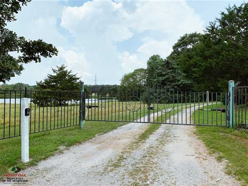 32 Acres With Lodge Style Home : Phillipsburg : Laclede County : Missouri