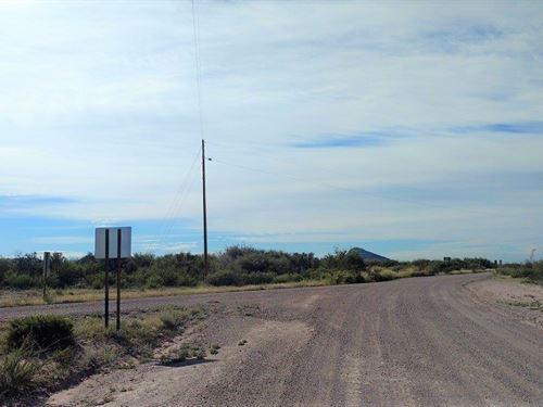 Beautiful Corner Lot With Power : McNeal : Cochise County : Arizona