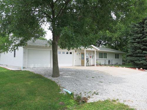 Large Ranch Home Small Rural Town : Ridgeway : Harrison County : Missouri