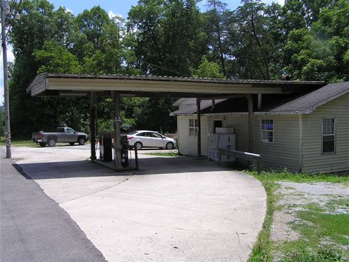 Country Store,Gas Station, Garage : Palmer : Grundy County : Tennessee