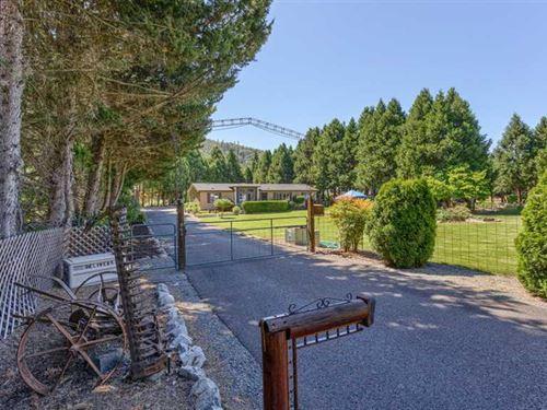 Beautiful Property Near The Rogue : Gold Hill : Jackson County : Oregon