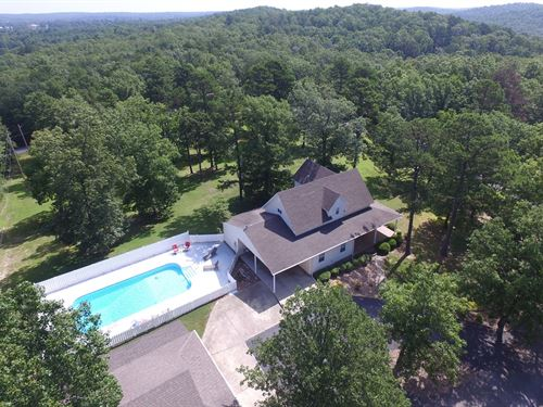 Family Home Pool Out Skirts : Melbourne : Izard County : Arkansas