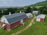 Charming Farmstead Trophy Hunting : Stoddard : Vernon County : Wisconsin
