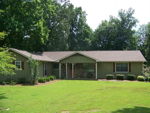 Large Tennessee Country Home : Adamsville : McNairy County : Tennessee