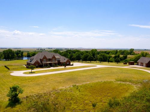 New Price, Beautiful Luxury Home : Carnegie : Caddo County : Oklahoma