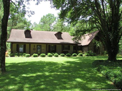 Country Home On 7.67 Acres : Pickens : Madison County : Mississippi