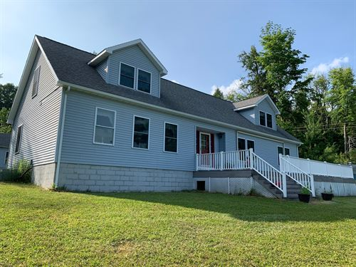 Country Home On North Pond : West Monroe : Oswego County : New York