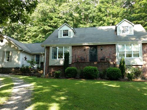 Large Custom Family Home Acreage : Nickelsville : Scott County : Virginia