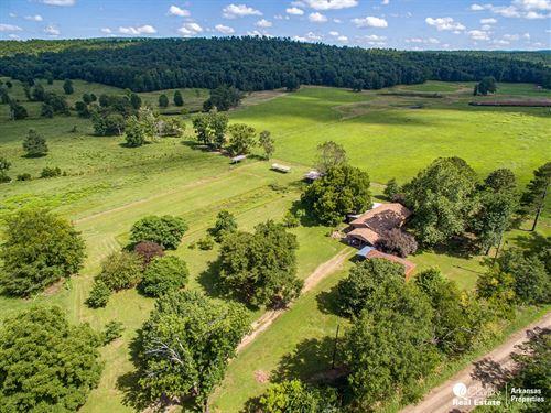 Small Farm With Home in Arkansas : Bluffton : Yell County : Arkansas