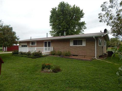 Home With 10 Acres And Des Moines : Keosauqua : Van Buren County : Iowa