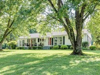 Southern Estate Situated 20+ Acres : Culleoka : Maury County : Tennessee