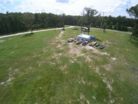 8+ Acres With Extras 776400 : Old Town : Dixie County : Florida