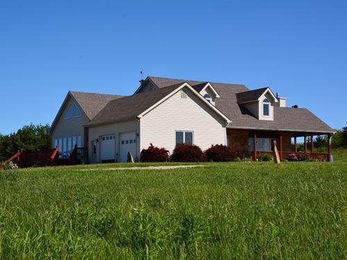 Scenic Hilltop Ranch : Overbrook : Douglas County : Kansas