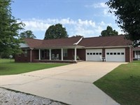 Beautiful, Brick Home Mountain : Mountain View : Stone County : Arkansas