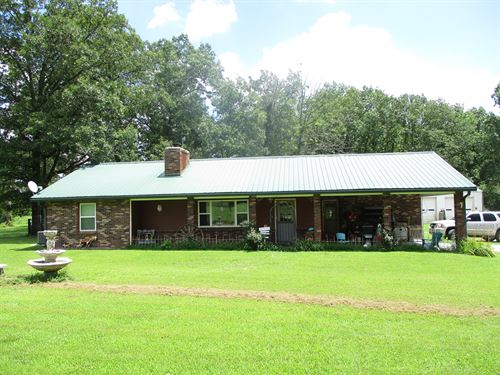 Mini Farm With Nice Remodeled Home : West Plains : Howell County : Missouri