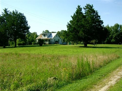 Farmhouse Fixer Upper Southern VA : Kenbridge : Lunenburg County : Virginia