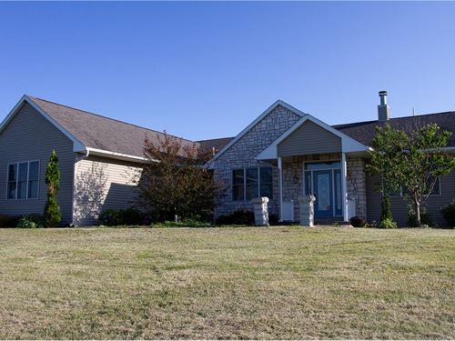 Country Home 5+ Acres Irish Hollow : Galena : Jo Daviess County : Illinois