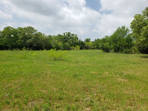 14.02 Acres Of Land In Texas : Dale : Caldwell County : Texas