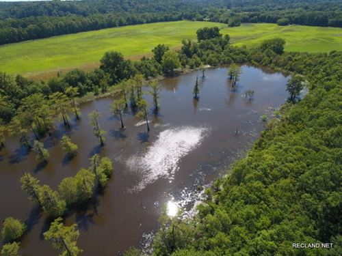 167 Ac, Farm, Lake, River Frontage : Columbia : Caldwell Parish : Louisiana
