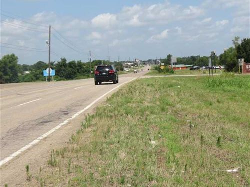 Commercial District Lot on High Tr : Hugo : Choctaw County : Oklahoma
