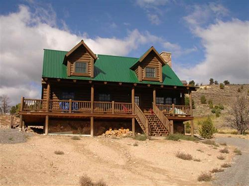 Under Contract, Chase Your Adven : Dubois : Fremont County : Wyoming