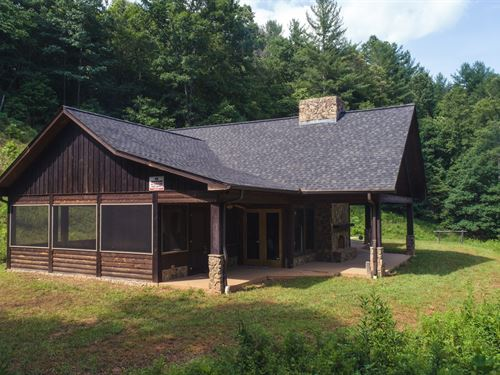 Mountain Lodge in Ferguson NC : Ferguson : Wilkes County : North Carolina
