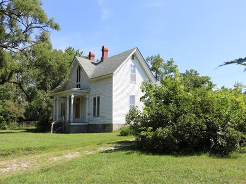 House And Large Lot in Fayette MO : Fayette : Howard County : Missouri