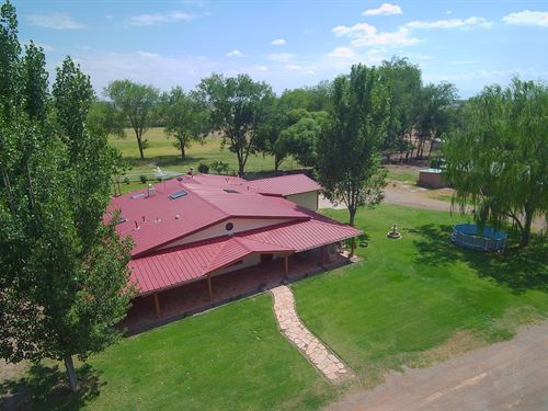 One Kind Horse Property on 10 Acres : Tularosa : Otero County : New Mexico