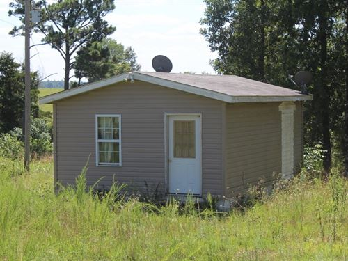 Lot With Unfinished Cabin : Fox : Stone County : Arkansas