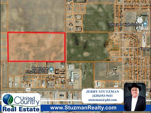 80 Acre Lot Located Outside : Ulysses : Grant County : Kansas
