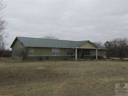Timber Creek Home And 80 Acres : Burden : Cowley County : Kansas