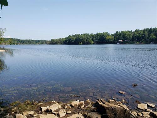 On The Hudson River : Queensbury : Warren County : New York