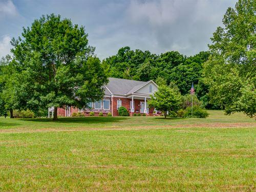 Custom Home On 10 Ac : Culleoka : Maury County : Tennessee