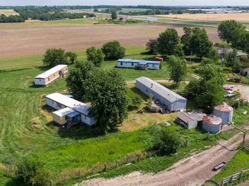 Hobby Farm With Rental Income : Cole Camp : Benton County : Missouri