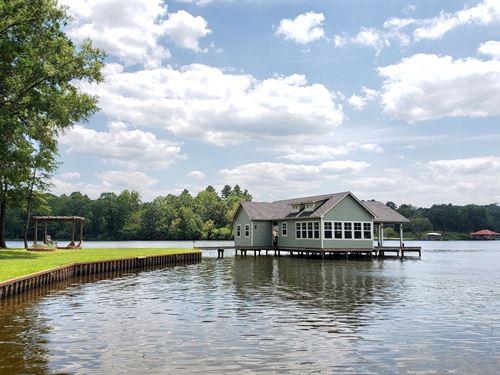 Lake Palestine Lot, Boathouse : Bullard : Cherokee County : Texas