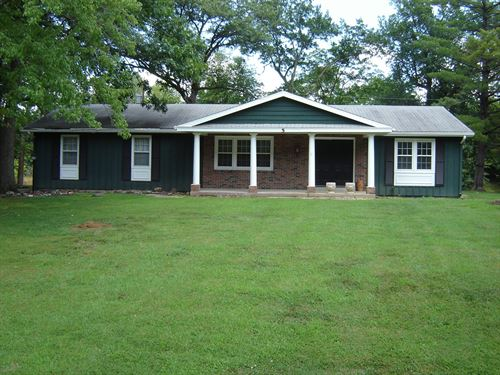 Ranch on The Lake in Oakbrook : Carlinville : Macoupin County : Illinois