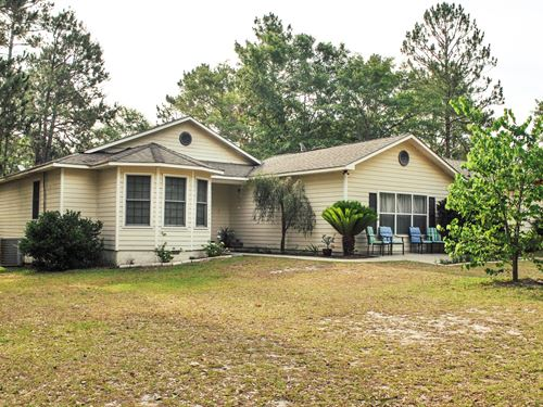 Home With 7 Acres On Lake Lannell D : Odum : Wayne County : Georgia