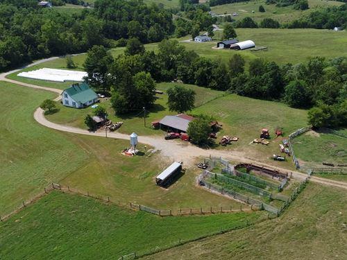 Cattle Farm Deluxe, Western Boyle : Gravel Switch : Boyle County : Kentucky