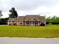Beautiful Home With Pond, Acreage : Jesup : Wayne County : Georgia