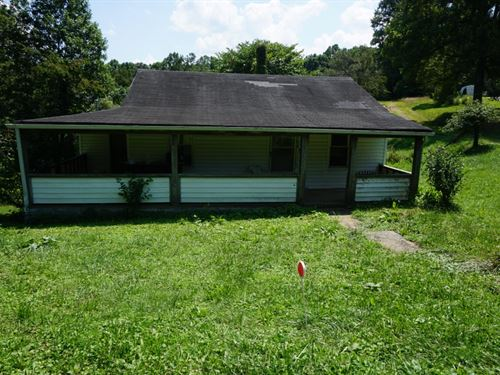 .32 Acre M/L Great Starter Home : Procious : Clay County : West Virginia