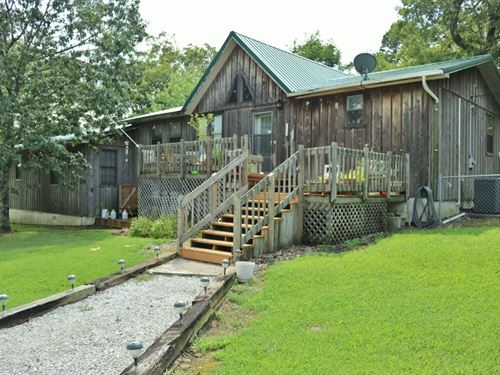 Hobby Farm in The Ozark Mountains : Mountain View : Stone County : Arkansas