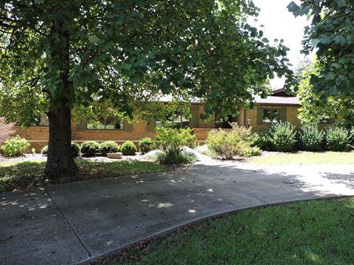 Custom Built Home 4+ Acres Town : Harrison : Boone County : Arkansas