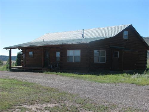 Log Home, Garage/Workshop, Horse : Del Norte : Rio Grande County : Colorado