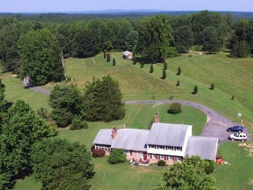 4Br Home 74 Acres Pond Southern : Vernon Hill : Halifax County : Virginia