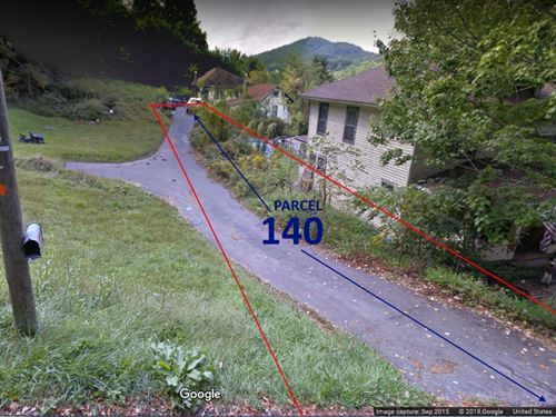 Rare Lot Situation With Driveway : Bluefield : Mercer County : West Virginia