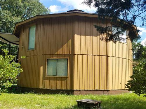 Unique Lake Butler FL Round House : Lake Butler : Union County : Florida