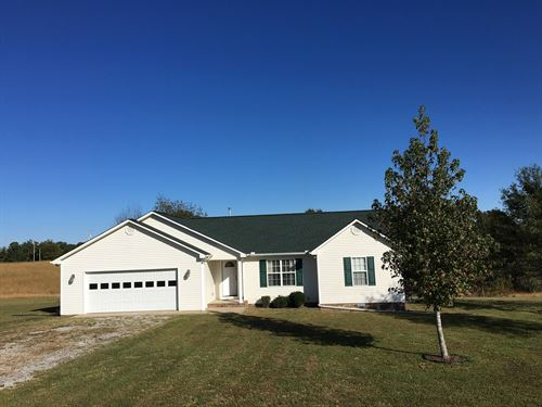 Country Home in Middle Tennessee : Summertown : Lewis County : Tennessee